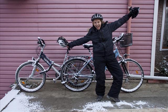 Annika und die Schneefahrrad