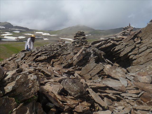Gohar climbing to the top.