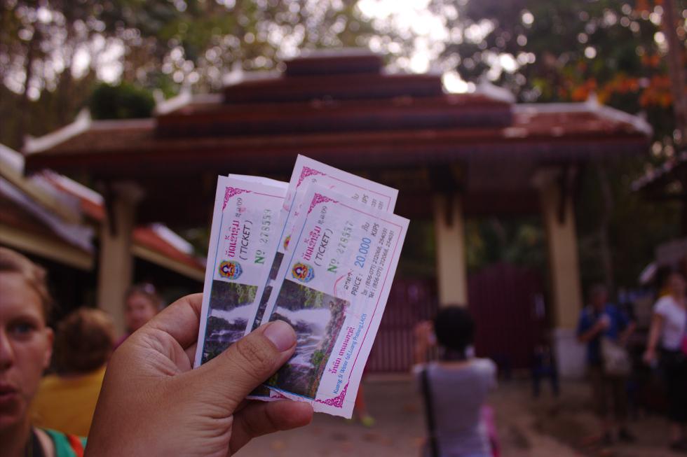 Kuang Si Falls Entree Ticket