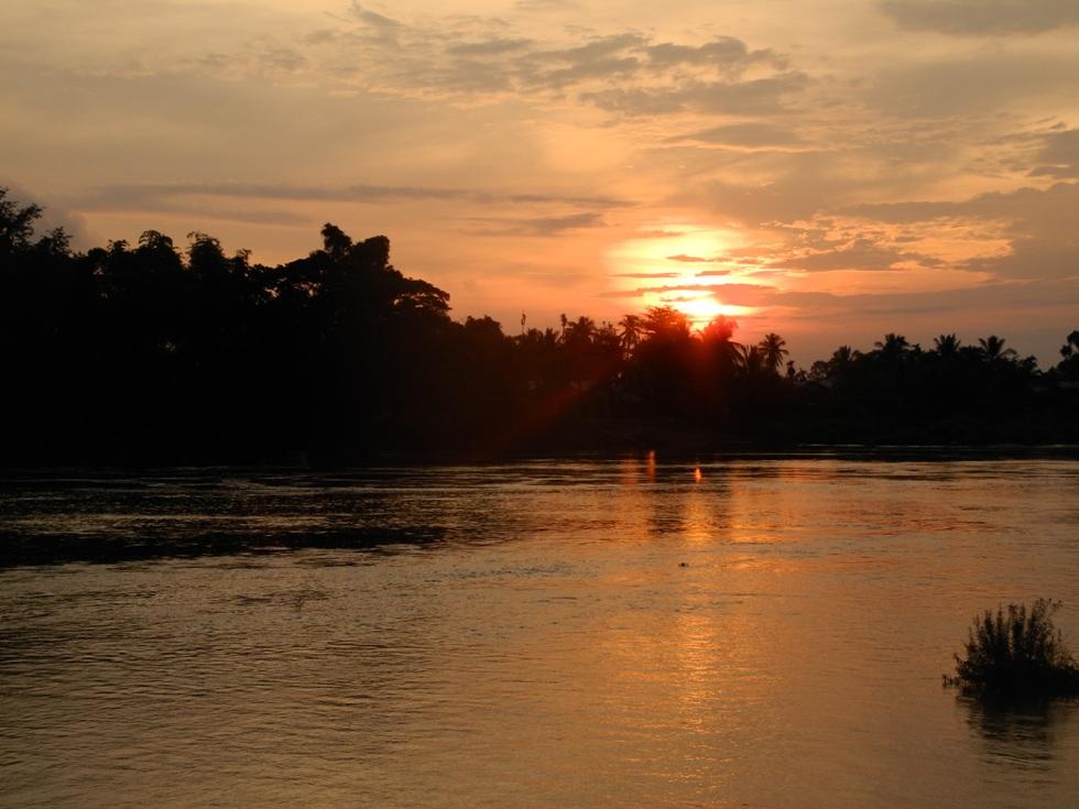 Sonnenuntergang überm Mekong in Don Det