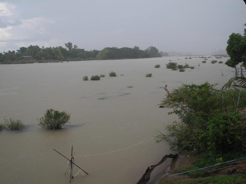 Der Mekong schwillt zur Regenzeit an.