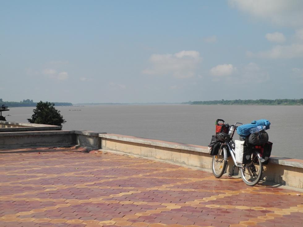Immer am Mekongufer entlang von Kratie bis Kampong Cham
