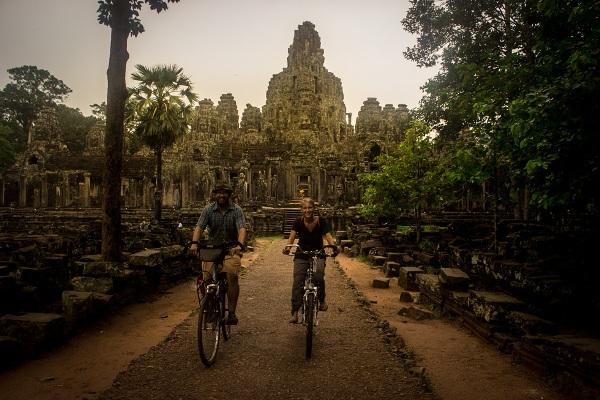 Mit dem Rad durch die Tempel um Angkor Wat
