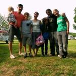 Unsere lieben Nachbarn laden uns ein, sie auf ihrem Sommerzeltplatz zu besuchen.