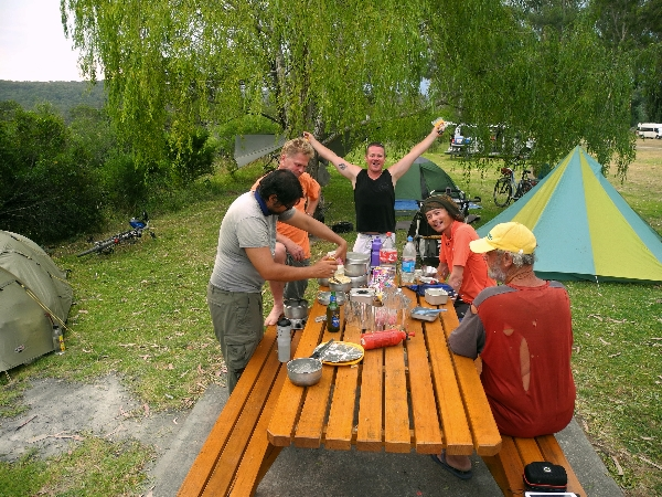 International camping buffet