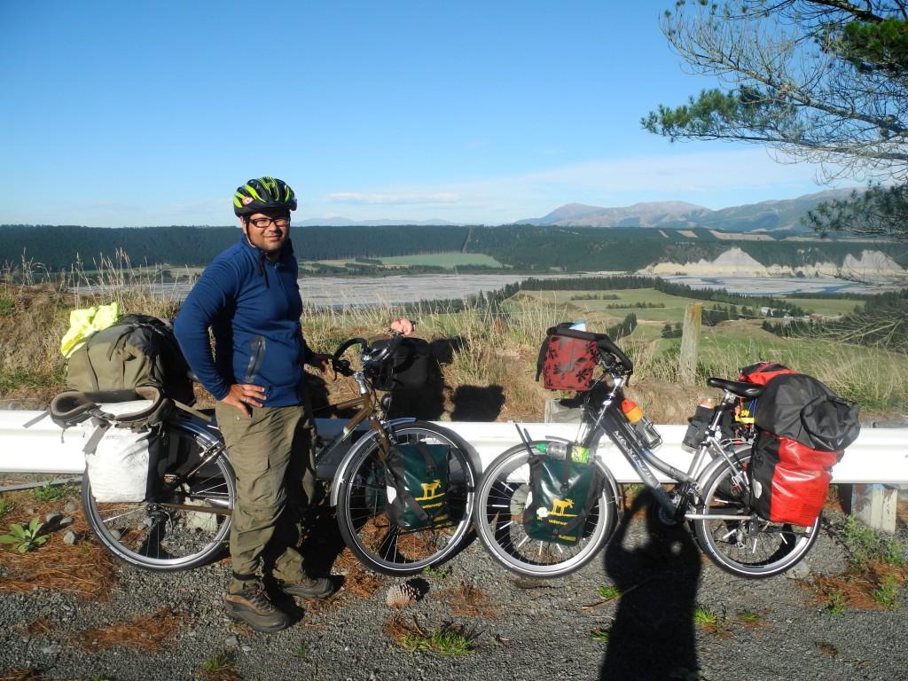 Cycling the Rakia Gorge