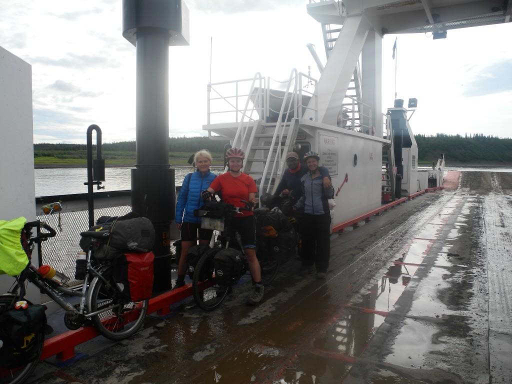 Ferry to Tsiigehtchic