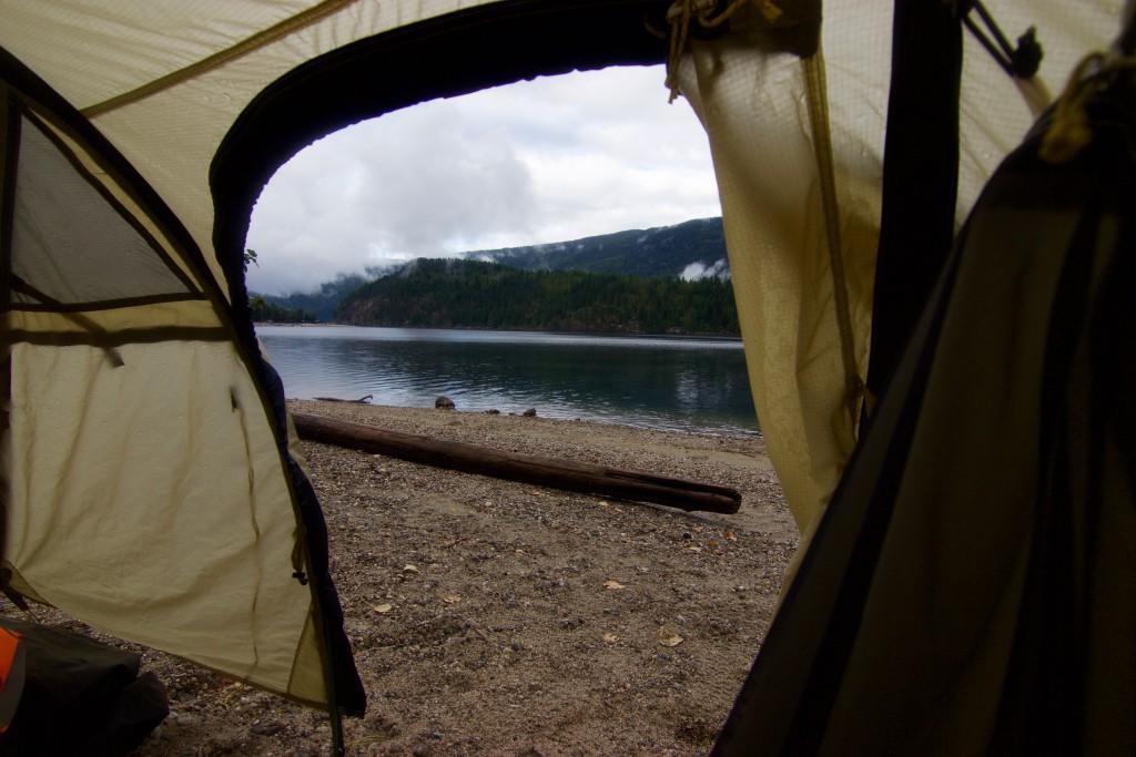 Camping Mara Lake