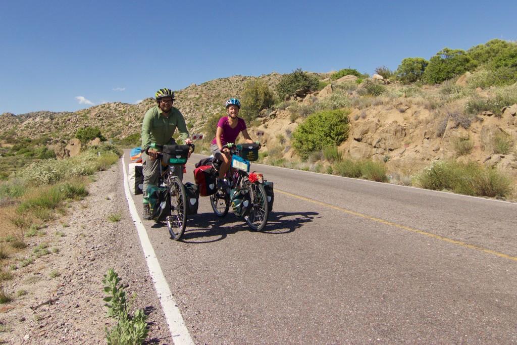 Cruzando por la Baja en Bicicleta