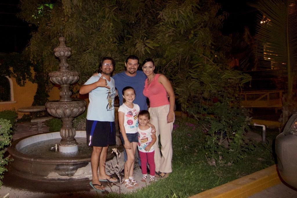 Pepe y Su Hermosa Familia