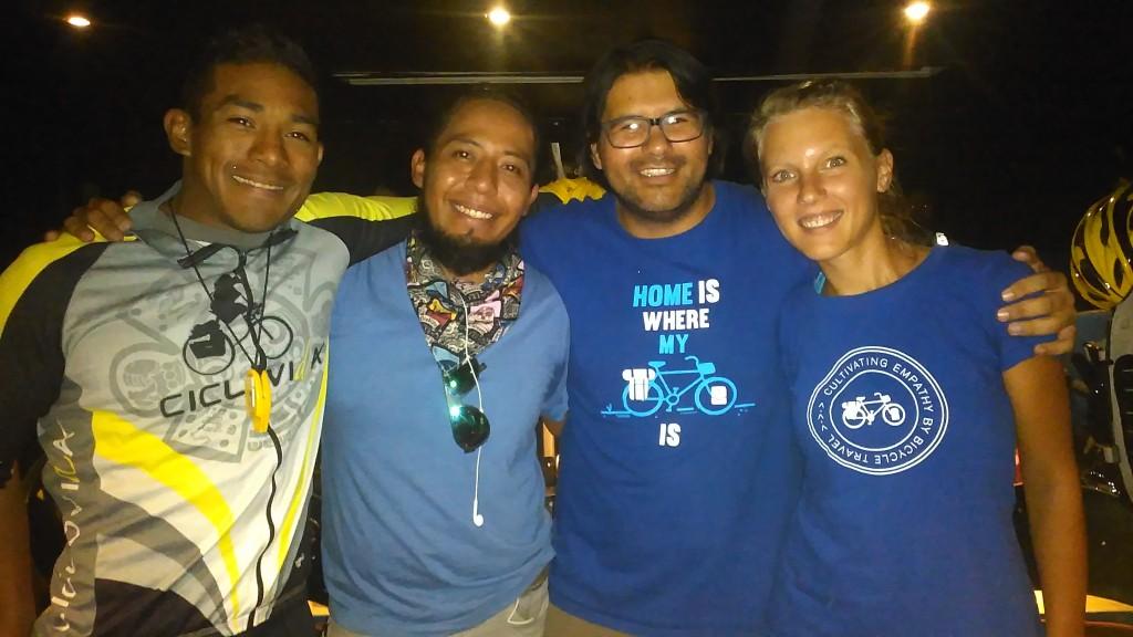 Mit den mexikanischen Reiseradlern Kodiak und Alancillo.