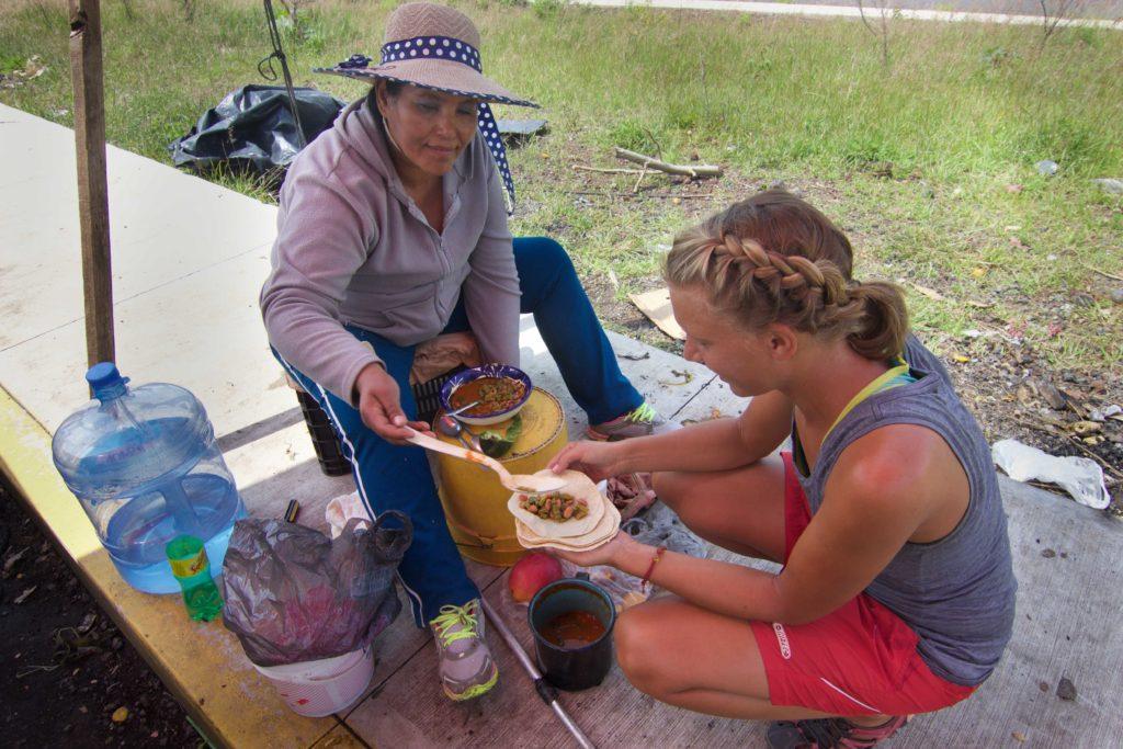Ricos Tacos de Nopales y Frijol