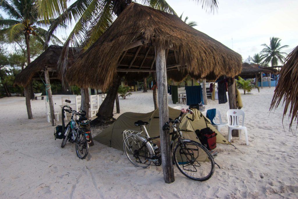Shady camping under a Palapa at the beach of Xpu-Ha