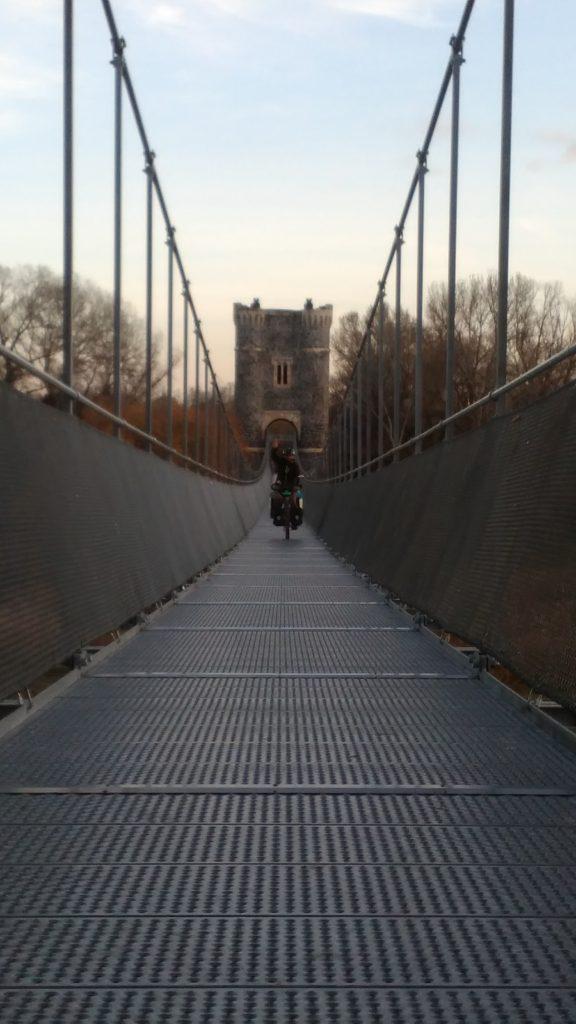 Historische Brücke auf der Via Rhôna in Frankreich