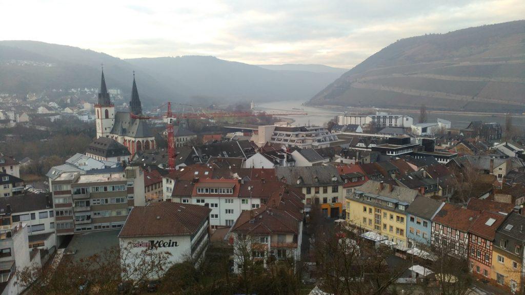 Blick von der Burg Klopp hinunter nach Bingen